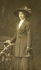1912 - lady_posing_feb16th1912