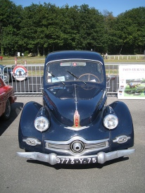Panhard Dyna - front