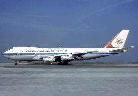 KE-007 800px-Boeing_747-2B5B,_Korean_Air_Lines_AN0600191
