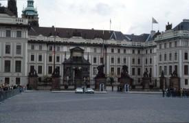ANW-05 - Praag 090996 - Voorplein regeringscentrum Scan10272