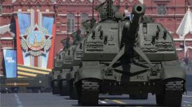 Russian tanks in Moscow 0514 BnL8v2lCEAAXj-w