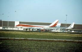 16245 - EHAM - 030184 - Vrachtplatform Scan10064