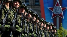 Russian soldiers in Moscow 0514 BnL4ZLECMAE4V48