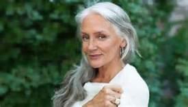 63-jaar-oude-dame-die-er-nog-goed-uit-ziet